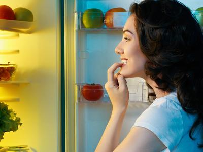 Чем перекусить перед сном без вреда фигуре