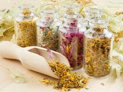 Травяные сборы для очищения организма от шлаков: травы для похудения, правила применения, противопоказания