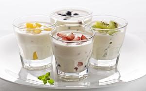 Йогурт - очень полезный продукт для больных гастритом.