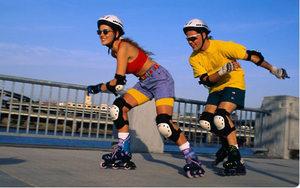Катание на роликах и другая активность помогут похудеть