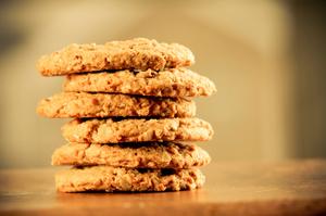 Печенье без муки готовится из овсяных хлопьев