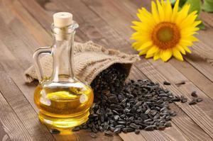 Подсолнечное масло и его калорийность: количество калорий в 100 граммах растительного масла
